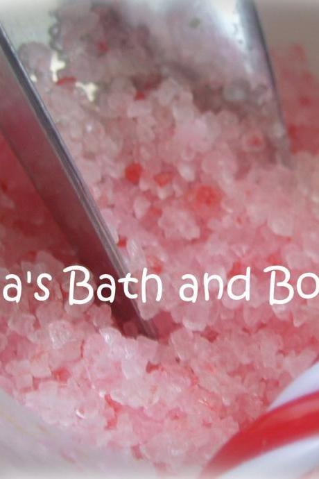 Peppermint Bath Salt- Peppermint- Bath and Body- Beauty- Gifts- Red- Peppermint
